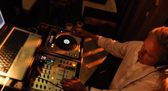 DJ Jon Boesche